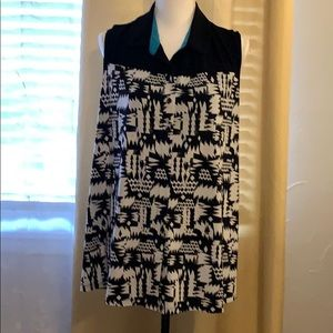 Ladies button down sleeveless top